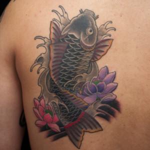 和彫り|鯉と蓮の刺青/タトゥー