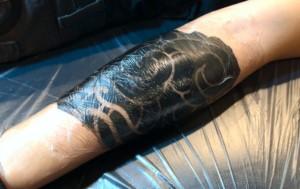 フィルムを用いたタトゥーのアフターケア